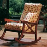 Кресло-качалка в кантри стиле
