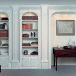 Интерьер в классическом стиле - книжный шкаф